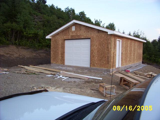 2005-08-16: Installing a garage door.