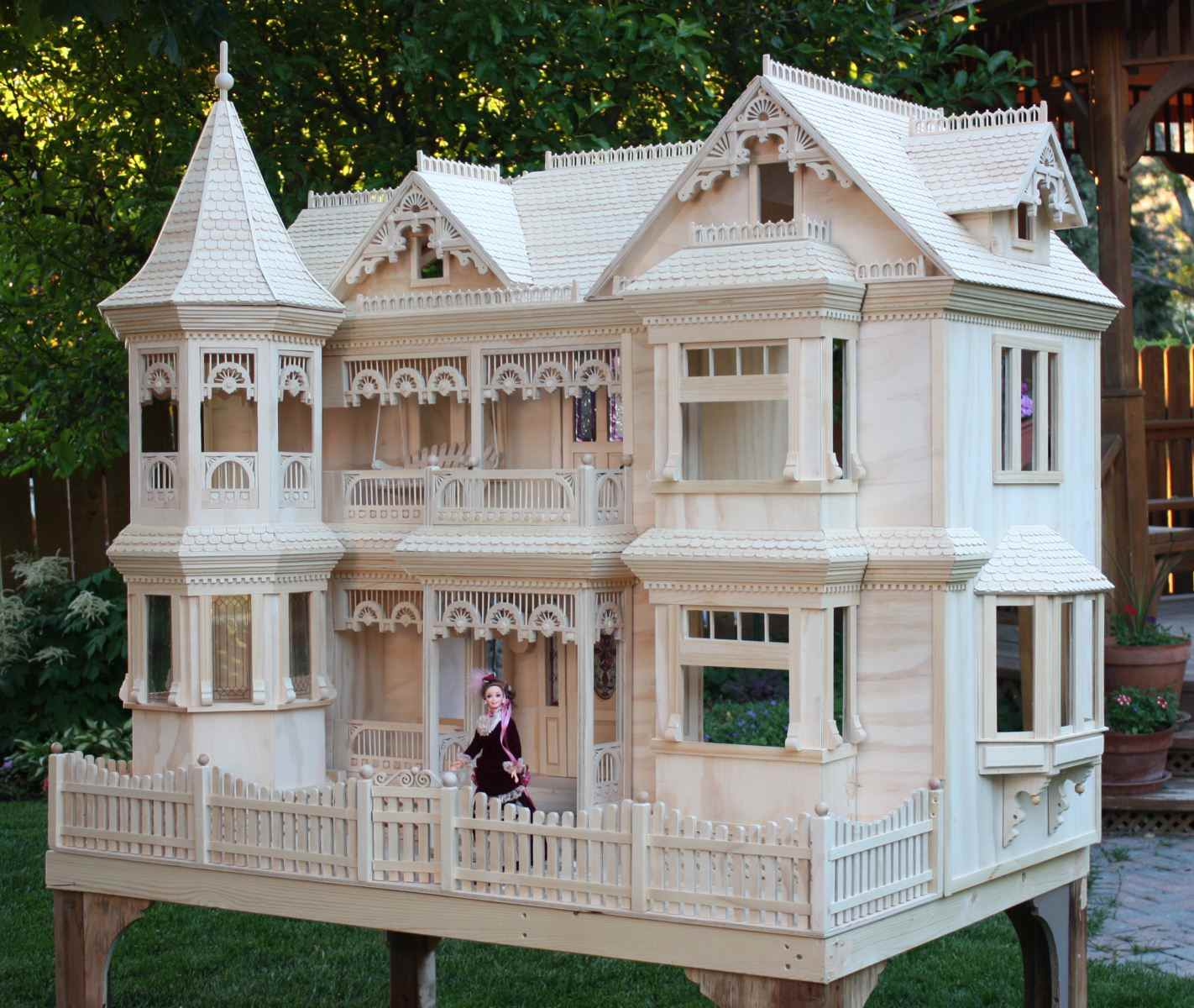 Victorian dollhouse for Build a house online free