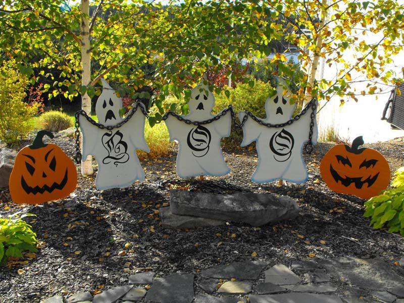 Halloween,yard art projects,ghosts,pumpkins