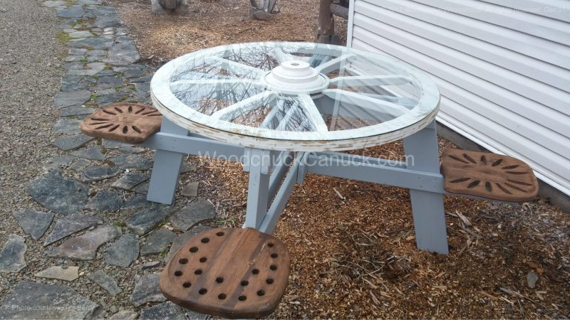 wagon wheel picnic table,western,rodeo,country style,country life