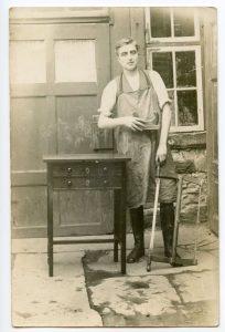 1900, Carpenter