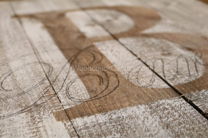 monogramed sign,pallet