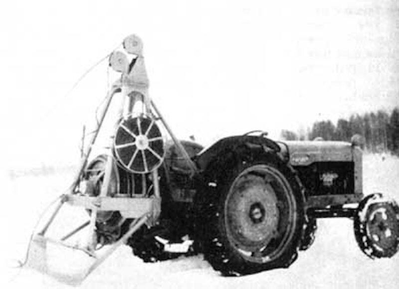 Joutsa tractor skidding winch.