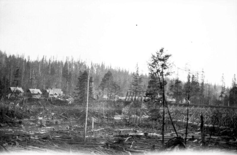 1922 logging camp.