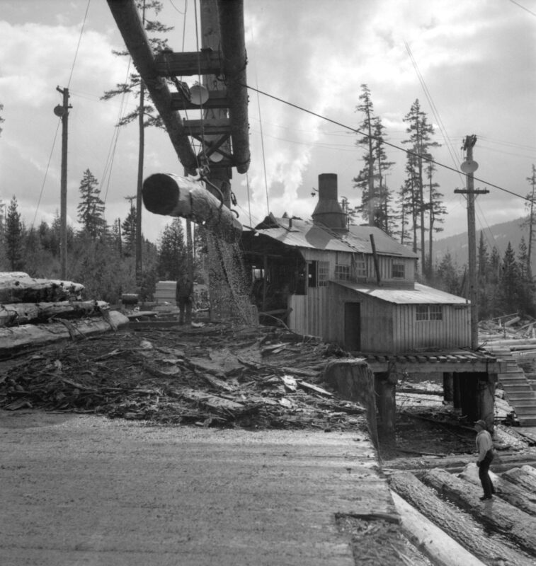1940s View of a sawmill.