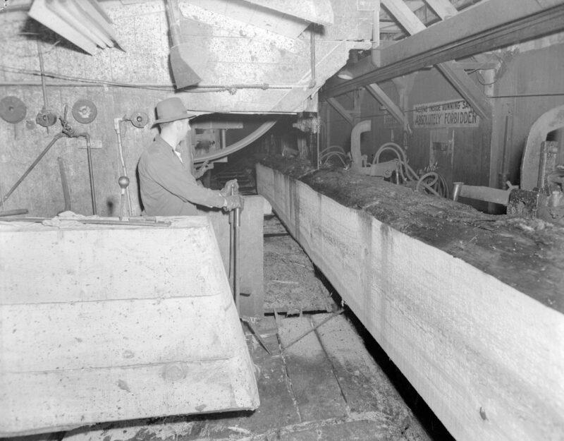 1944 Sawmill operator at Pacific Mills.