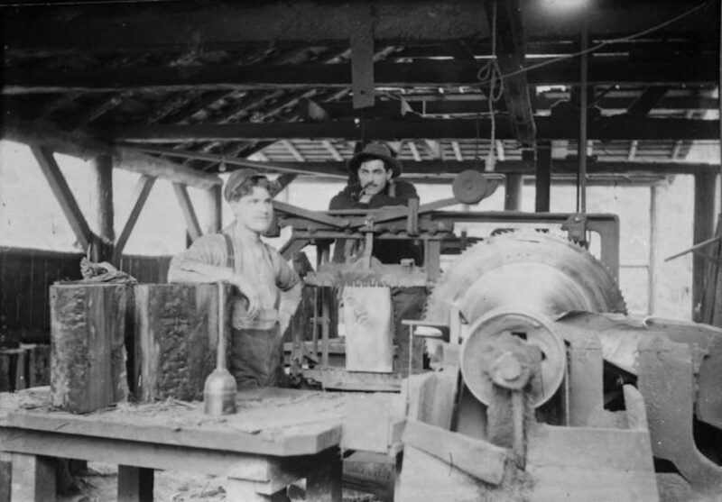 Shingle Mill and workers.