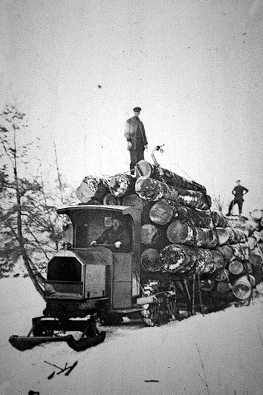 Winter logging Linn Tractor