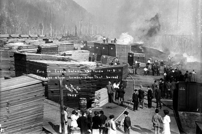 1911 Fire in Index Galena Lumber yards. Oct 18.