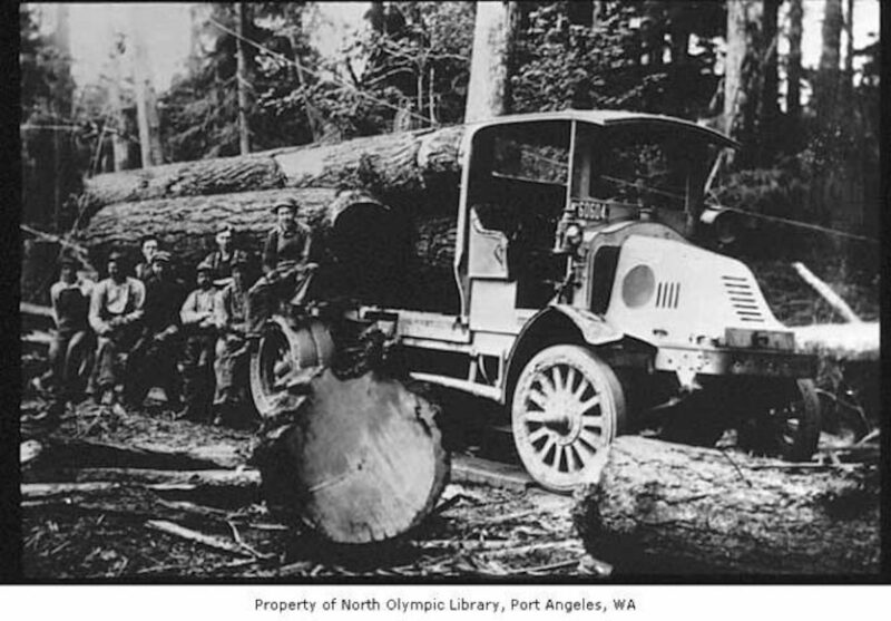 1918 Kelly-Springfield truck with crew