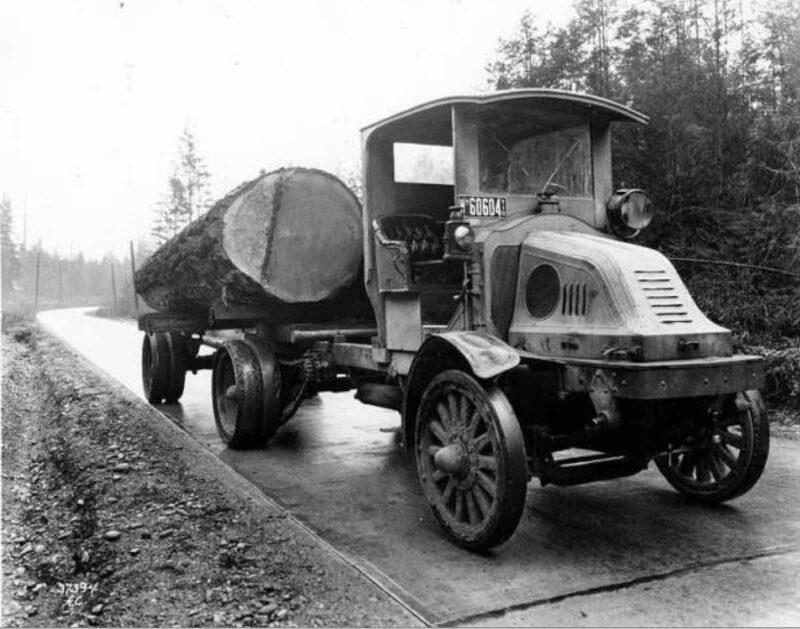 1918 Logging truck in Washington