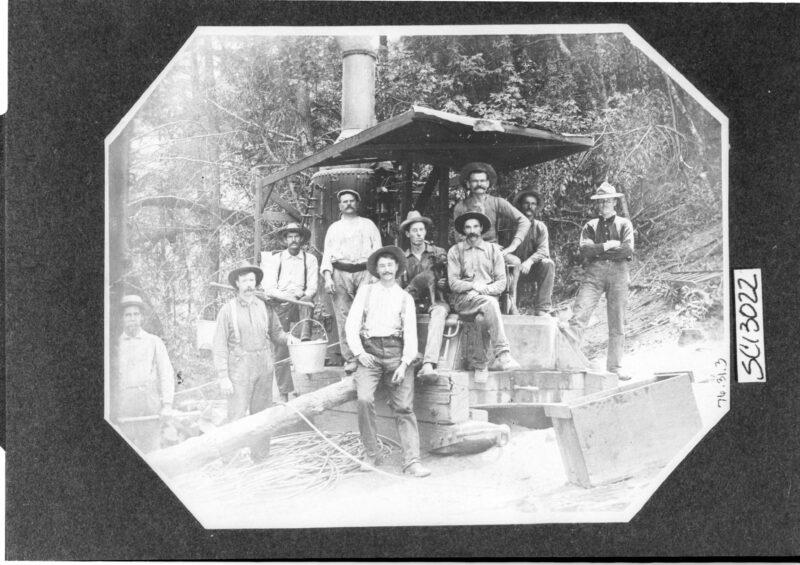 1905 Logging Crew.